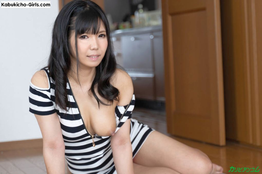 Jyuri Haruka, はるか樹里, one boob out and ready for sex.